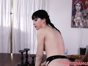 Cockloving goth petite gets anally pounded