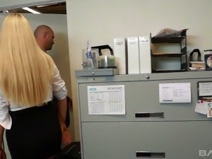 Curvy secretary Karen Fisher has got a great body and she is very good sex