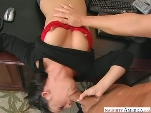 Hot boss Kylee King definitely loves oral sex foreplay