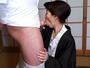 After a business lunch a horny Asian secretary fucks her boss