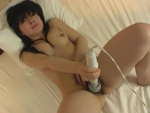 Subtitled uncensored curvy masturbating Japanese amateur HD