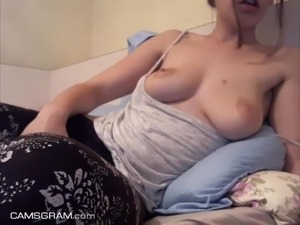 Tasty Teen Does A Sexy Camshow