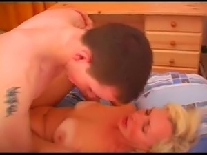 Mature fucks with a young man after the meeting.