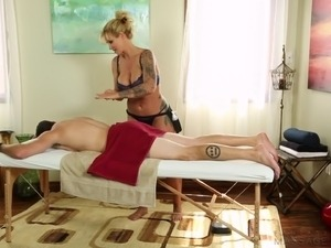 Bosomy tattooed blonde gives a good dick-ride to her stallion