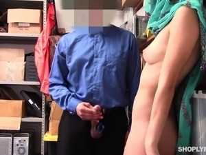 Horny slut Audrey Royal makes a dick explode on her face