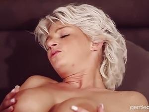 Gorgeous Curvy Czech Milf Wife
