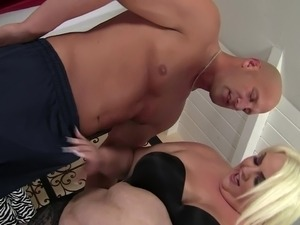 Fat honey Cheryl Lee cannot get enough of fucking