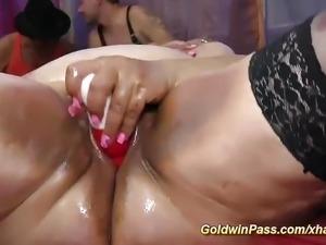 plumper bbw babes first anal dildo