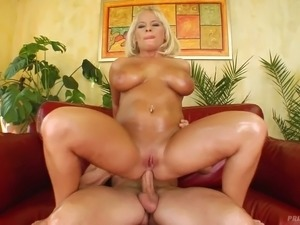 Blond oiled up mommy with juicy boobs Lucy had steamy anal sex in side to...