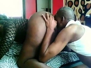 Chunky ebony shemale gets her juicy ass licked and drilled