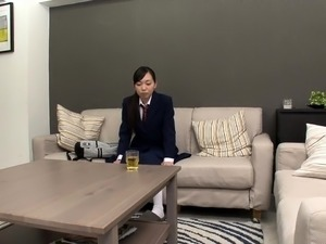 Delightful Japanese masseuse knows her way around a dick