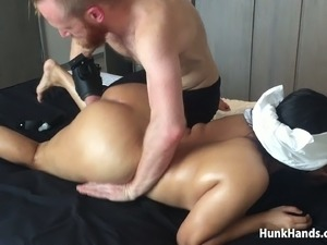20 yo Asian Amateur gf CHOKED Squirts Big Ass Real Massage Singapore Hotel...