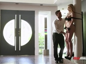 Beautiful Texas babe Giselle Palmer loves nothing but kinky sex games