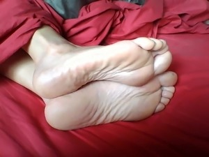 Her gorgeous soles 3
