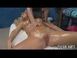 Gir gets an gazoo massage then fucks her therapist