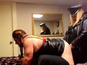 Mature guy has a dominant blonde punishing his anal hole