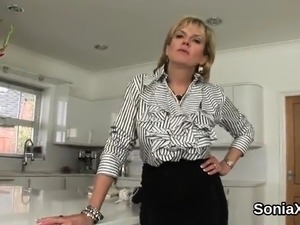Cheating british mature lady sonia flashes her gigantic hoot