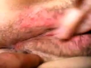 Horny amateur web cam chick fingering her pussy up close