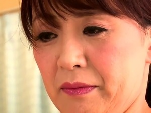 Mature Japanese wife gets the hardcore banging she desires
