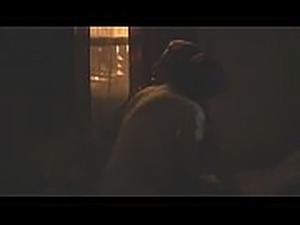 Chloe Grace Moretz lesbian scene, fingering and moaning (Low quality)