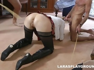Kinky cougar lets two men share her cunt in an epic threesome