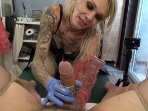 Huge massive speculum and fisting by lady jane van dark,fist