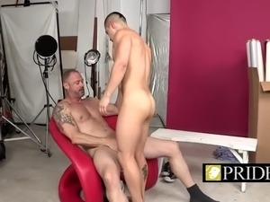 Older stud makes twink sucks his mighty cock