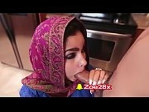 Snapchat, caress pussy porno-18 small muslim girl doing sex in kitchen