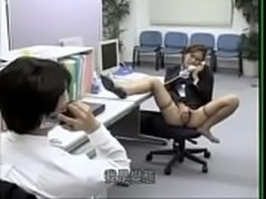 Japanese office lady like to be fucked on boss&#039_s desk - ReMilf.com
