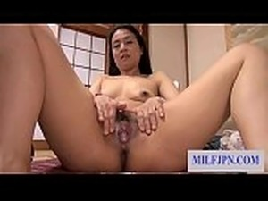 Asian (Japanese) MILF ( Housewife / Mom ) get fucked